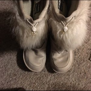 Sorel Ahnah Cream Faux Fur Thinsulate Boots